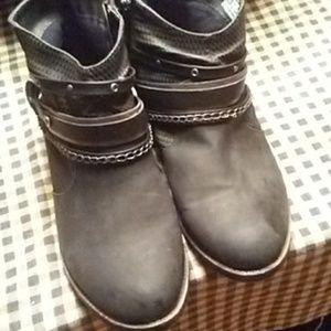 So short boots